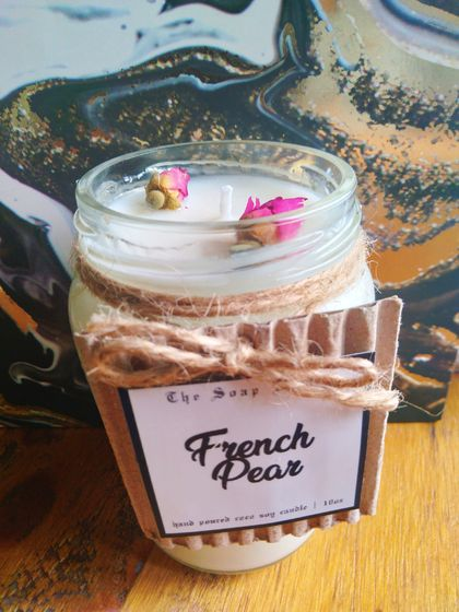 Hand Poured Coco Soy Candle (10oz french Pear)