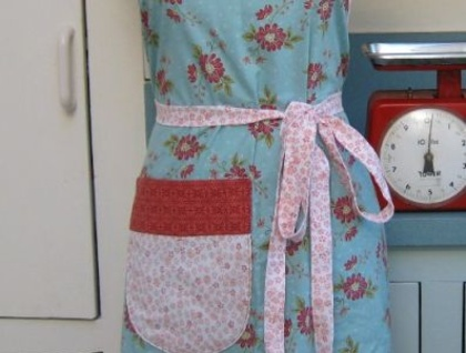 Full Apron - Red Paisley