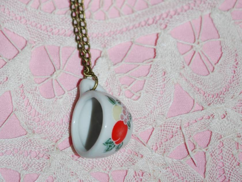 """""""time for tea"""" necklace - donated by mollyandme"""