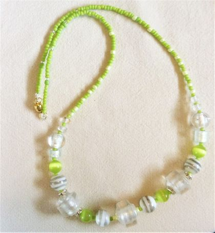 "Necklace: Lisianthus ""Mariachi"" white and green"