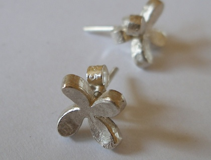Sterling silver handmade kiss studs