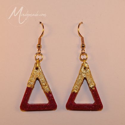 Gold gilded purple glitter triangle earrings