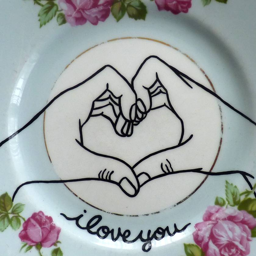 I love you hands – upcycled vintage plate