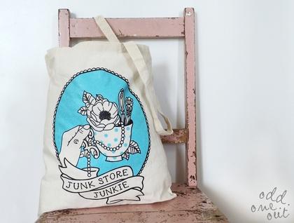 Junk Store Junkie - Tote Bag
