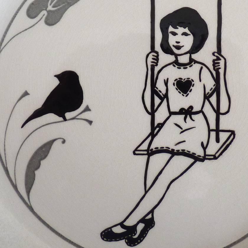 Swinger – upcycled vintage plate