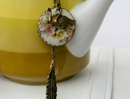 swan lake floral necklace