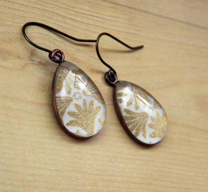 teardrop earrings - gold scallops