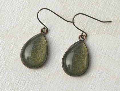 teardrop earrings - olive