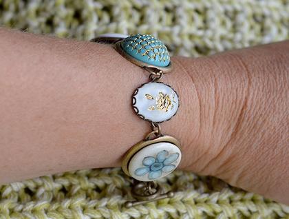 vintage link bracelet - yellow rose and aqua button