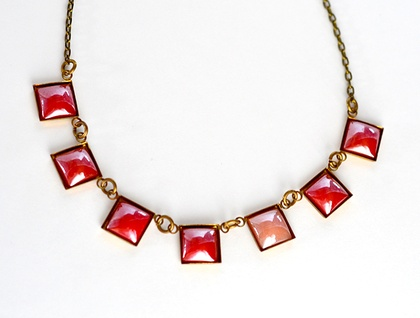 7 square link bunting necklace - red