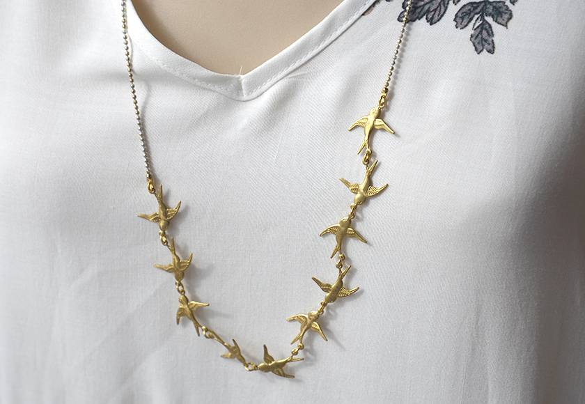 sparrow linked necklace