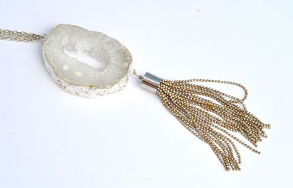 agate slice pendant with silver chain tassel