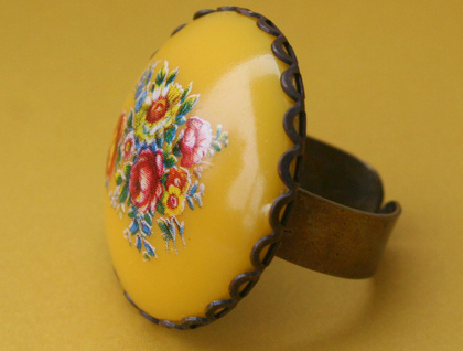vintage floral ring - yellow
