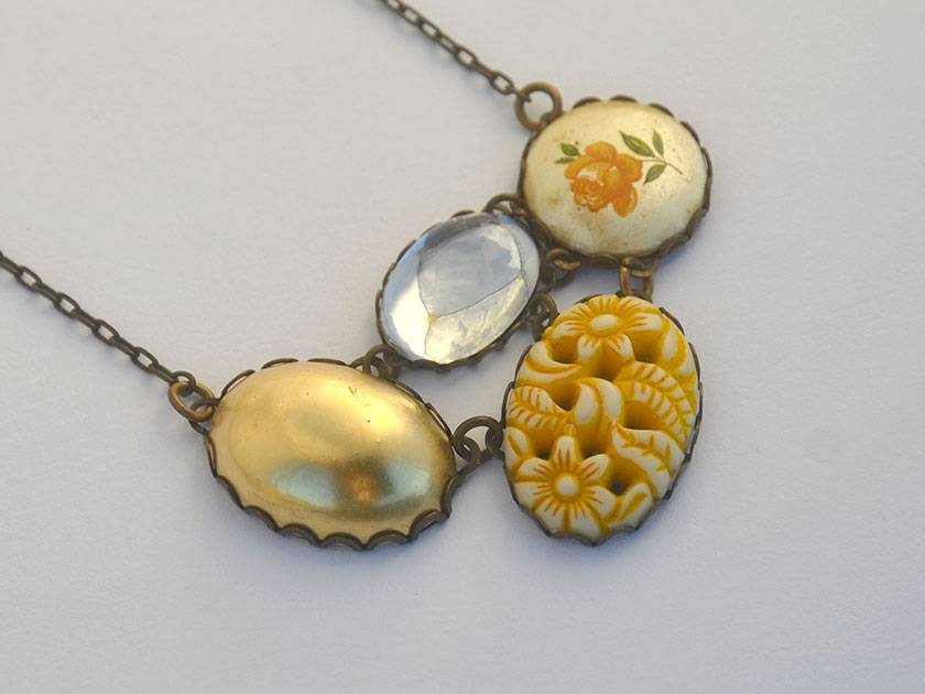 mustard vintage love - cabochon connected cluster pendant