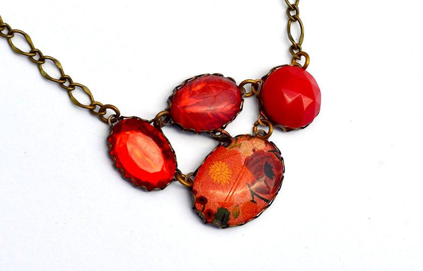ruby red floral - vintage linked necklace