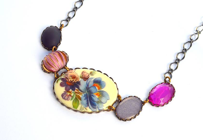 vintage linked cabochon necklace - blue floral with purple and pink cabochons