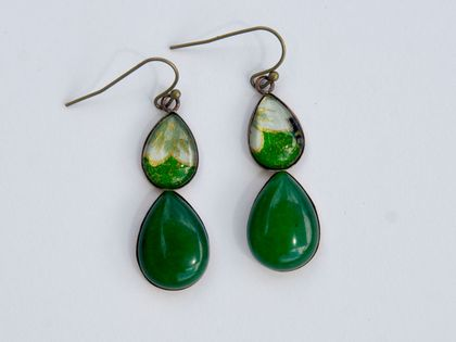 green jade double teardrop earring