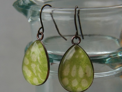 teardrop earrings - limeade