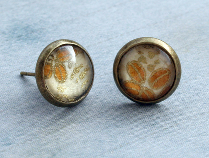 dainty stud earrings - retro leaves
