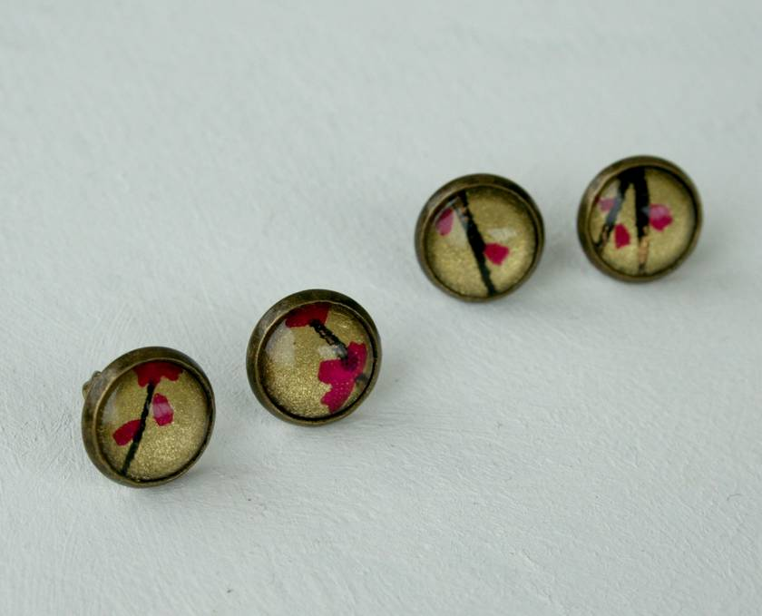 cute dome studs - fuchsia blooms