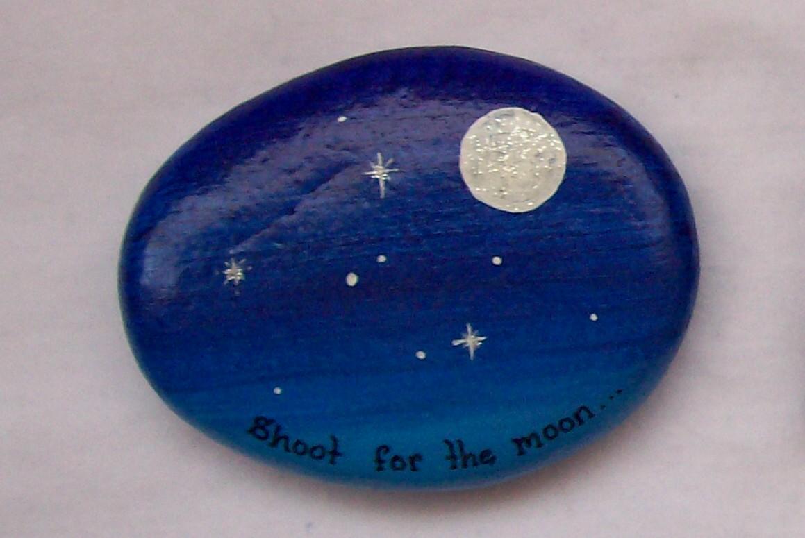 Keystone shoot for the moon felt for Pintura sobre piedras
