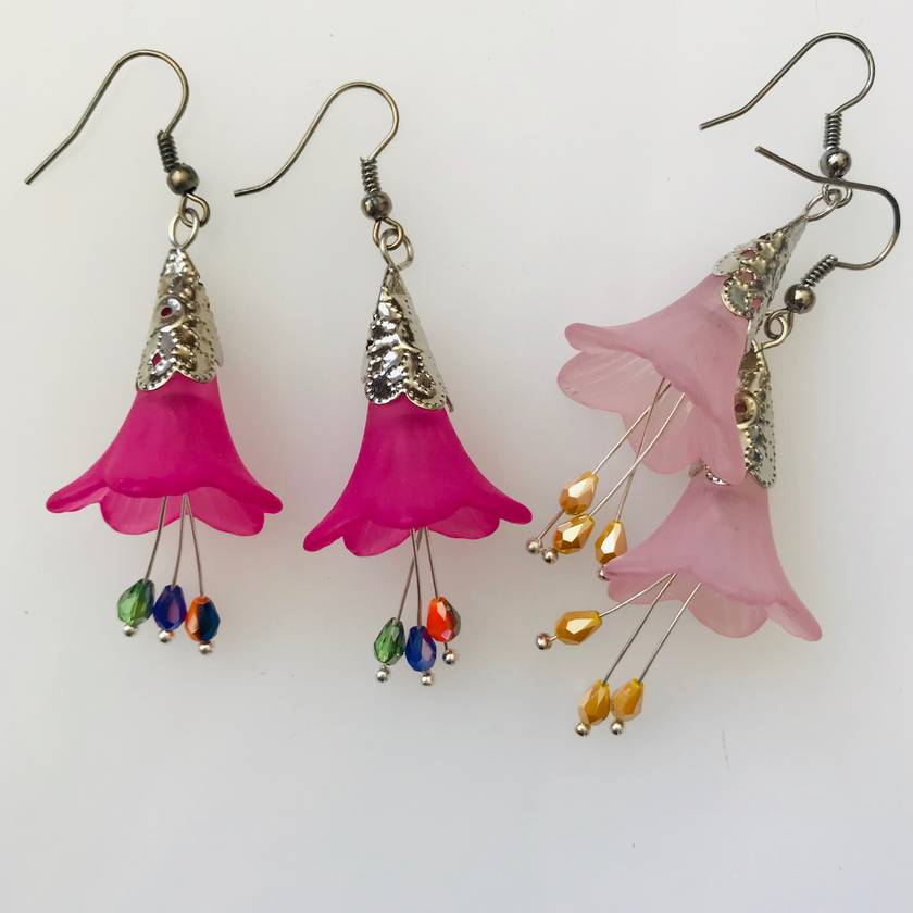 Flower lucite drops in pretty pinks
