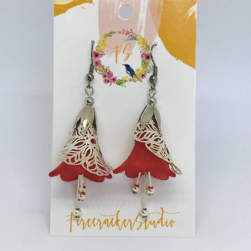 Flower red lucite pohutakawa silver lace