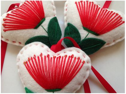 ♥ Pohutukawa Felt Heart decoration ♥