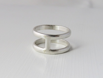 Simple Cage Ring