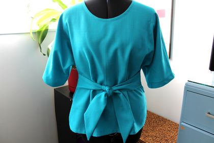 Tie Front Kimono-shape Top in Turquoise Size 12-14.