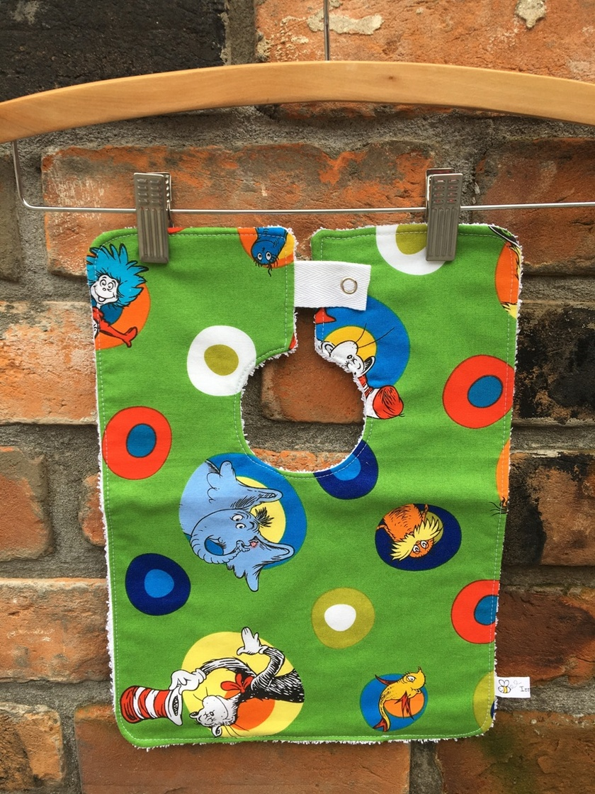 * REDUCED * Izzy Bee Baby - BOUTIQUE BABY BIBS - 'Dr Seuss'