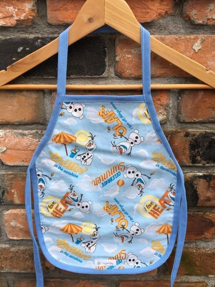 * REDUCED LAST ONE * Izzy Bee Baby – KIDS APRONS - 'Olaf'