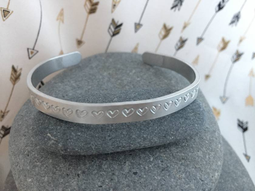 Aluminium Bangle with Hearts [2018-0011]