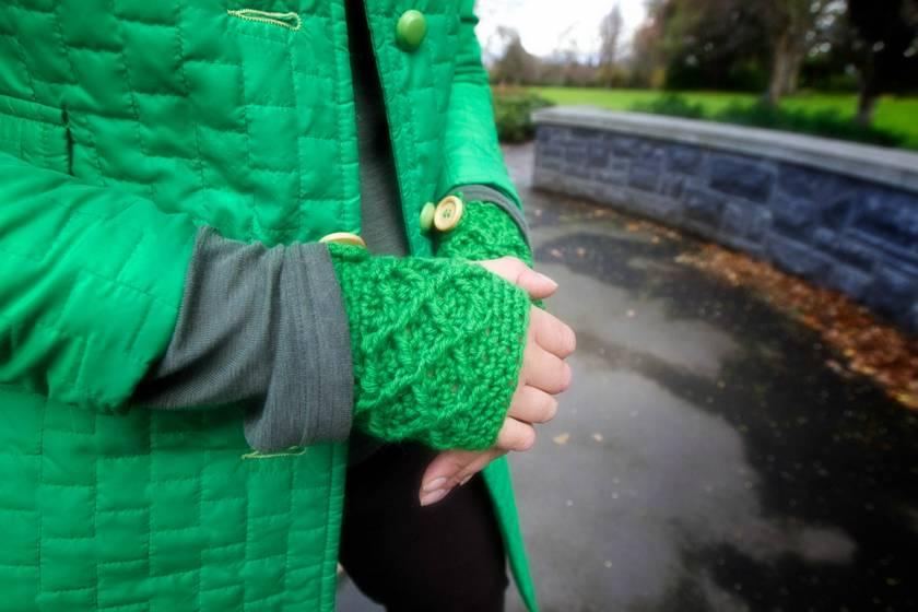 Vibrant Spearmint Green Wool Latticed Fingerless Mitts -100% AUSTRALIAN WOOL