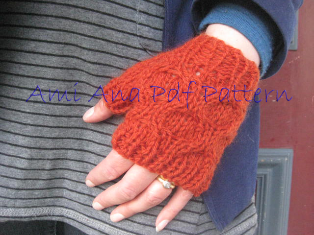 Fingerless Gloves Knitting Pattern Nz : PDF PATTERN ONLY Chunky Knit Honeycomb Cable Fingerless ...