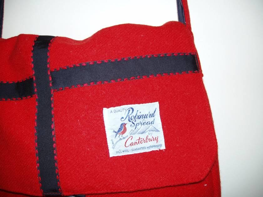 Red Robinwul of Canterbury Satchel