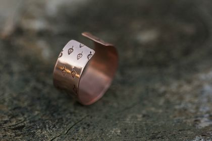Wide copper ring // Handstamped leaf pattern // Adjustable // Made to order