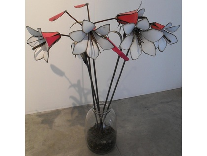 Kiwiana Garden Art LILLIES