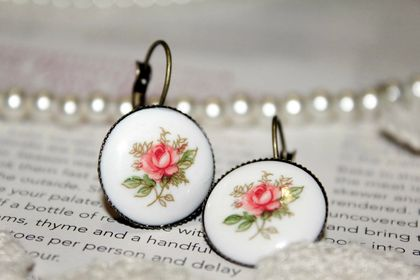 Antique Rose Resin Earings