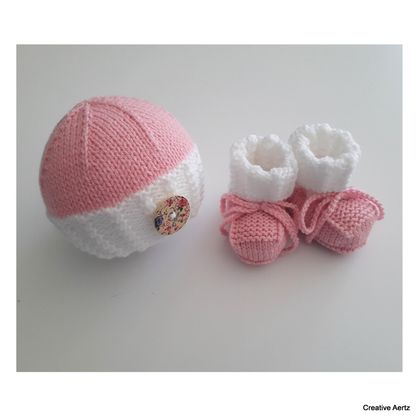 Cable Hat & Bootie Set (Pink & White) - 0-3 Months
