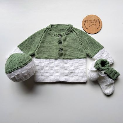 Hand Knitted Sage and White Basketweave Set (0-3 Months)