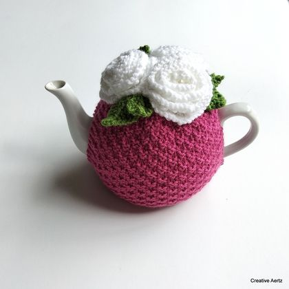 Raspberry Pink & White Rose Tea Cosy (Medium)