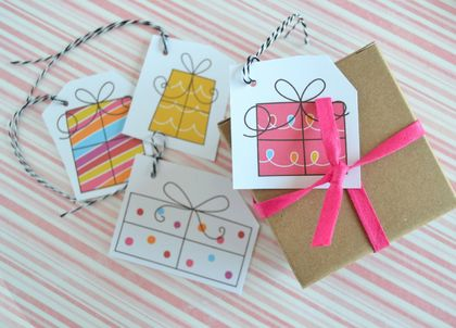 Cute pressie Christmas gift tags with twine - set of 8