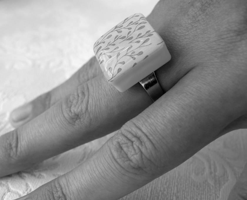 Green geometric ring felt - Bathroom tile design ideas to avoid the culture misconception ...