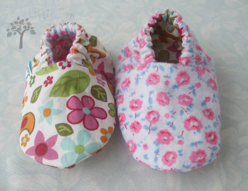 'Happy Go Lovely' Gorgeous Reversible Cloth Shoes.  3-6 months.