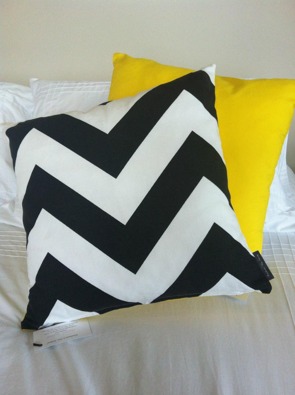 Awesome Cushion Cover Black Amp White Chevron Bright