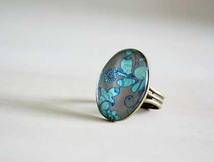 Spring Oval Ring