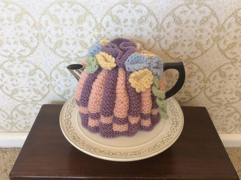 Retro Inspired Tea Cosy.. Spring.. Hand Knitted .. Wool.. Made In New Zealand