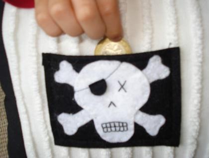 Pirate pocket cushion