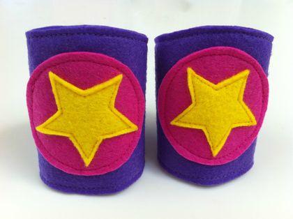 how to make superhero cuffs